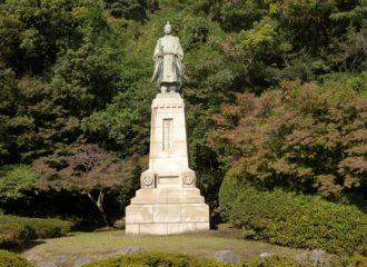 島津久光公像