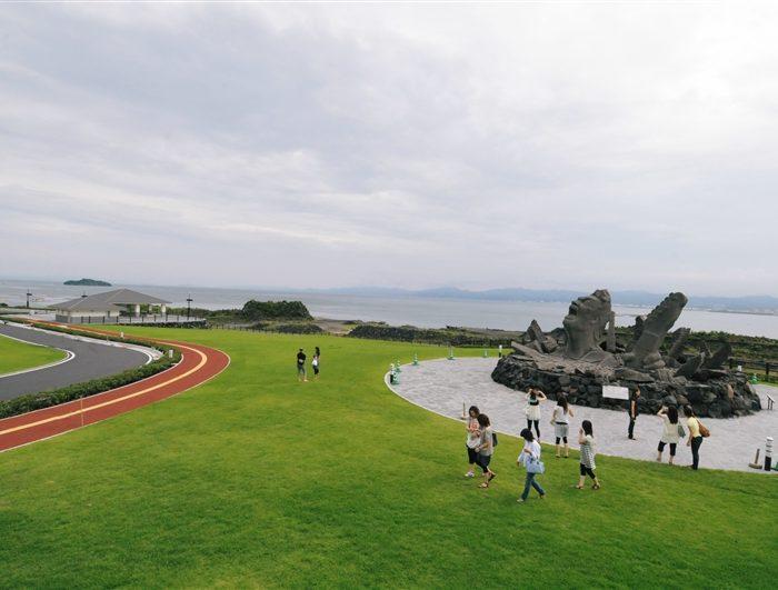赤水展望広場・桜島オールナイトコンサート記念モニュメント「叫びの肖像」