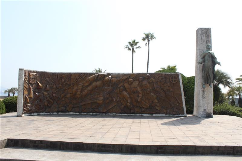 ザビエル上陸記念碑