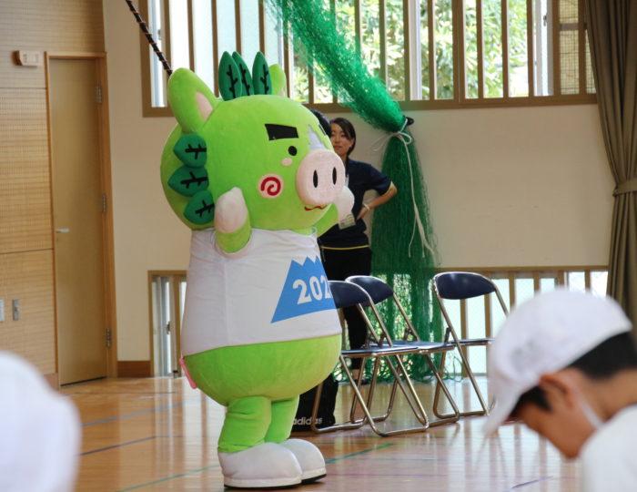 鹿児島市立吉野小学校での国体ダンス講習会(9月22日の県政広報番組で紹介されます!)