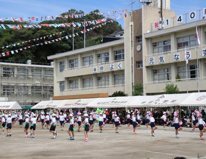 ぐりぶーが小学校運動会で「ゆめ~KIBAIYANSE~ダンス」を応援!