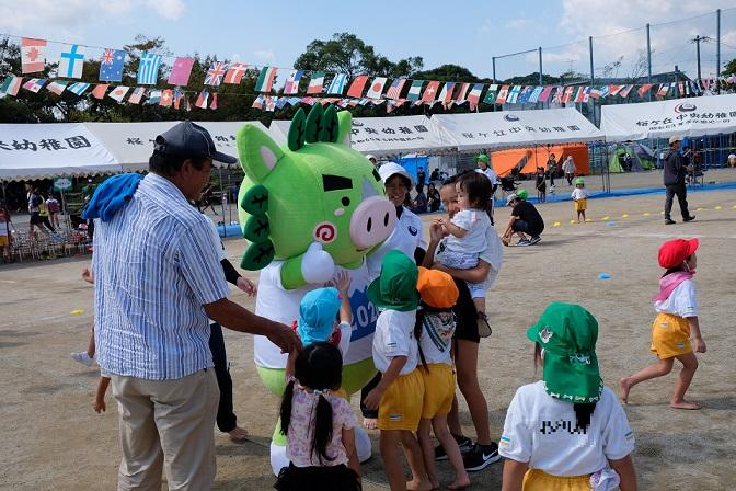 桜ケ丘中央幼稚園の皆さんと運動会で「ゆめ~KIBAIYANSE~」を一緒に踊りました!