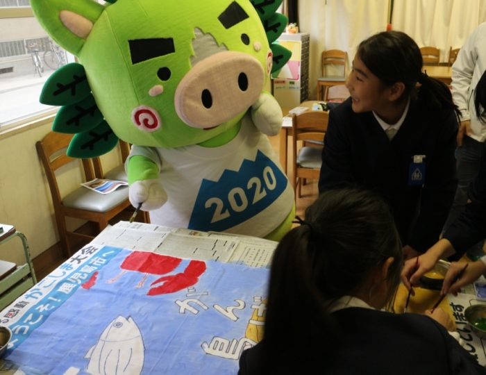 鹿児島市立清水小学校で手作り応援のぼり旗の取材をしました!~手作り応援のぼり旗~